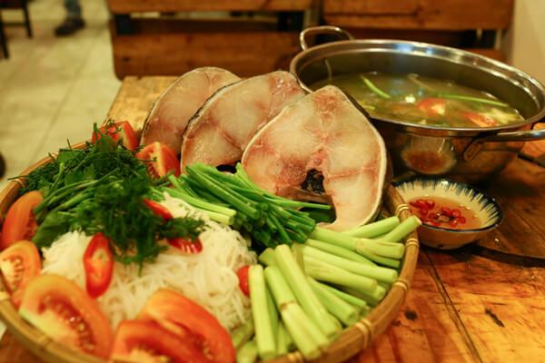 Cách nấu lẩu cá basa thơm ngon ngọt ngất ngây ngày hè