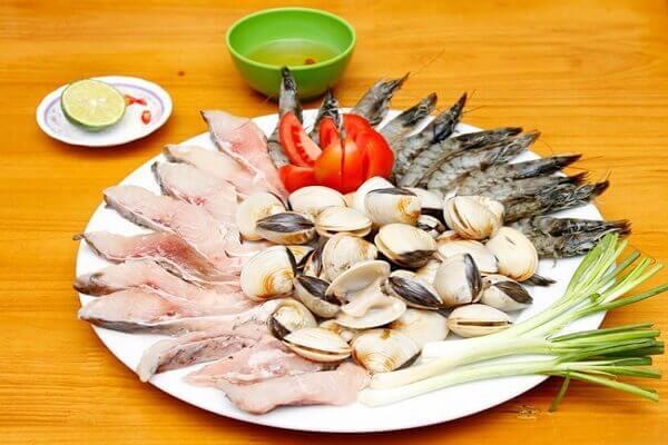 Các loại hải sản trong món lẩu thập cẩm