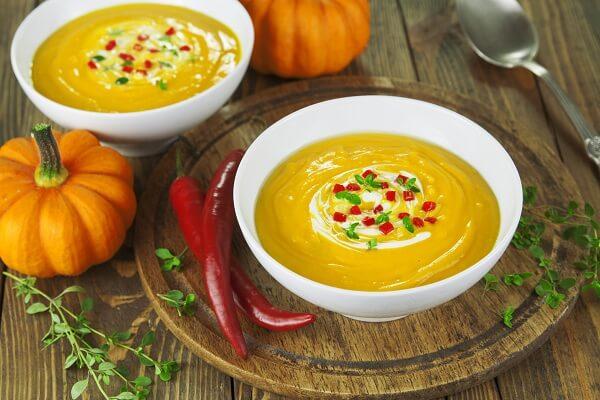 Cách nấu súp bí đỏ phô mai ngon cho bé