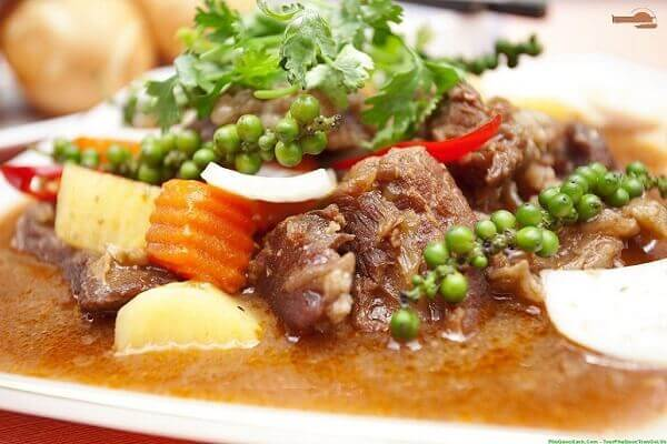 Cách Nấu Thịt Bò Hầm Khoai Tây Cà Rốt Ngon Đơn Giản
