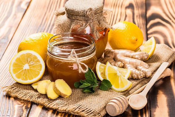 Cách pha nước chanh mật ong uống buổi sáng tốt cho sức khỏe