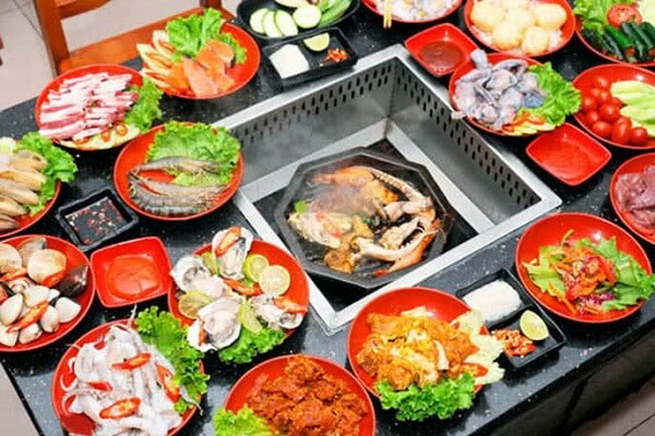 Nhà hàng Sing luôn không ngừng chinh phục ánh nhìn của thực khách bằng thực đơn 100 món ăn tươi mới