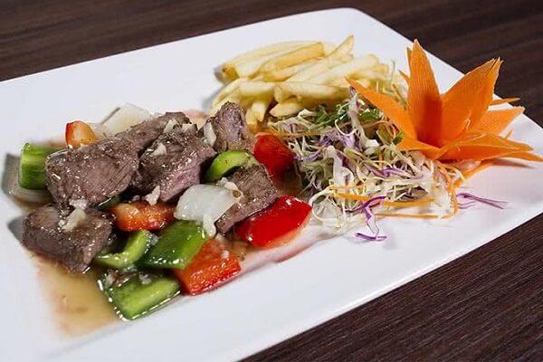 Lã Vọng Thế Giới Bia cam kết mang tới cho quý khách các dịch vụ ẩm thực hoàn hảo