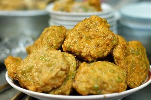 Cốm từ lâu là một nét văn hóa trong ẩm thực Hà Nội.