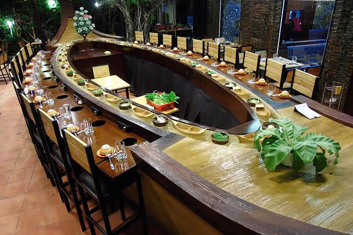 Nhà hàng Thuyền Xưa - Số 49, đường số 65, KDC Tân Quy Đông