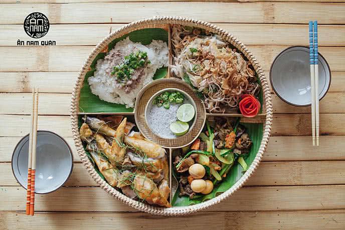 Món gà lên mâm nổi tiếng của Ân Nam Quán