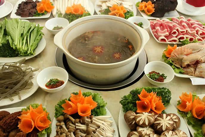 20 quán lẩu ngon rẻ tại Hà Nội có điều hòa, Ăn lẩu ở đâu ngon tại Cầu Giấy, Đống Đa, Ba Đình