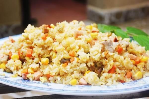 5 cách làm cơm chiên ngon giòn: cơm chiên dương châu, cơm chiên cá mặn, cơm chiên trứng