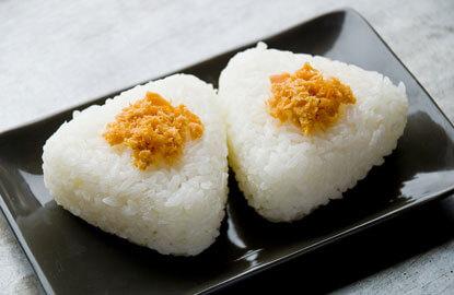 Cơm nắm Onigiri món ăn tiện lợi của người Nhật