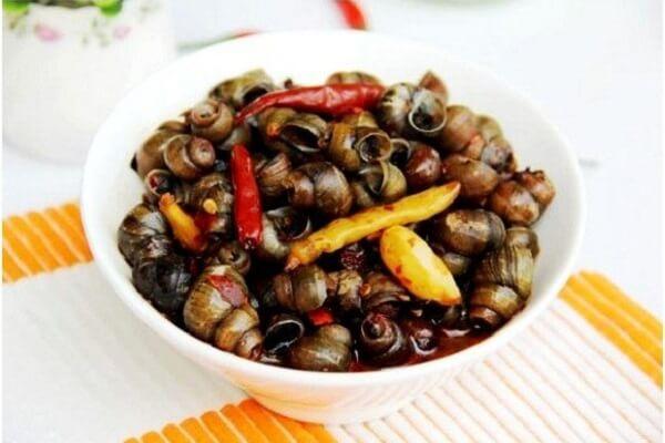Cách làm ốc đá xào sả ớt lá chanh và gừng ngon nhâm nhi cuối tuần chỉ 30p tại nhà