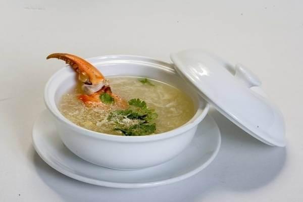 Súp cua biển và nấm tuyết - món súp ngon
