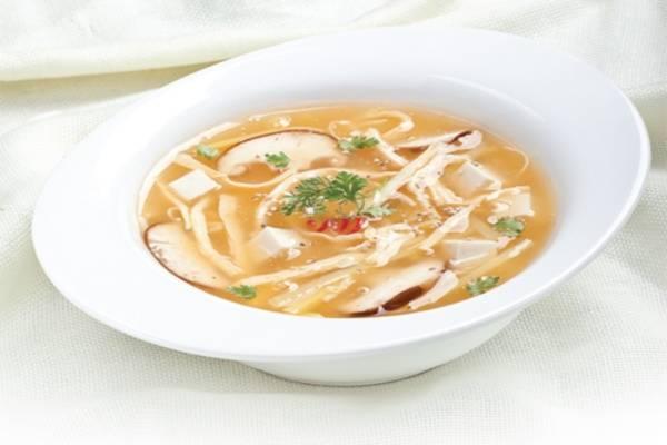 Súp gà và nấm hương - các món súp châu âu