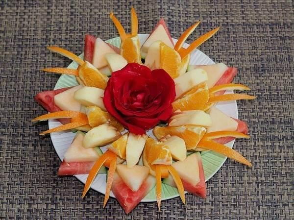 Cách phân bố và tận dụng kích thước của từng loại trái cây theo cách này rất khéo léo phải không nào