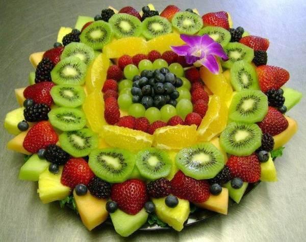 55+ cách trang trí món ăn bằng dưa leo, cà chua, cà rốt, bày đĩa trái cây hoa quả đẹp mắt, trang trí món nem rán 3