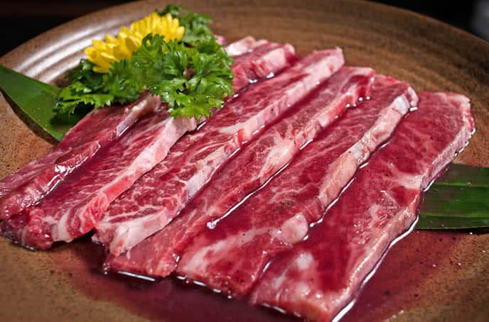 Nhà hàng Sochu mang đến một thực đơn phong phú, giao thoa giữa ẩm thực Nhật – Hàn