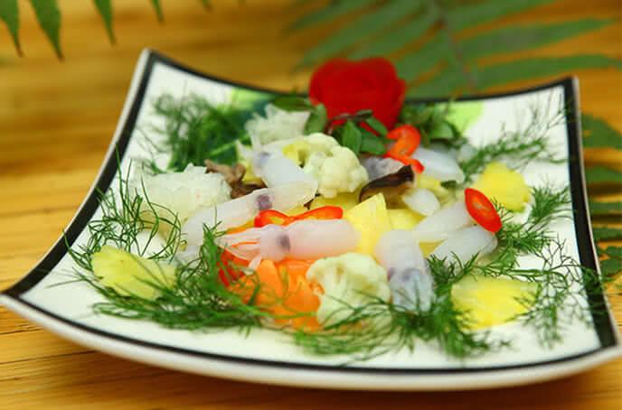 Cơm chay Bồ Đề Tâm là một trong những địa chỉ mà thực khách Hà Nội dường như quen thuộc