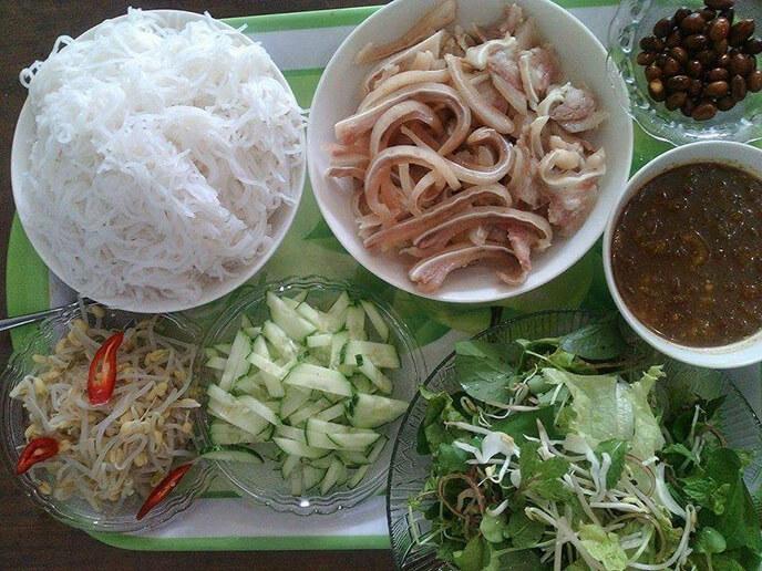 Thực đơn bữa ăn hàng ngày cho gia đình