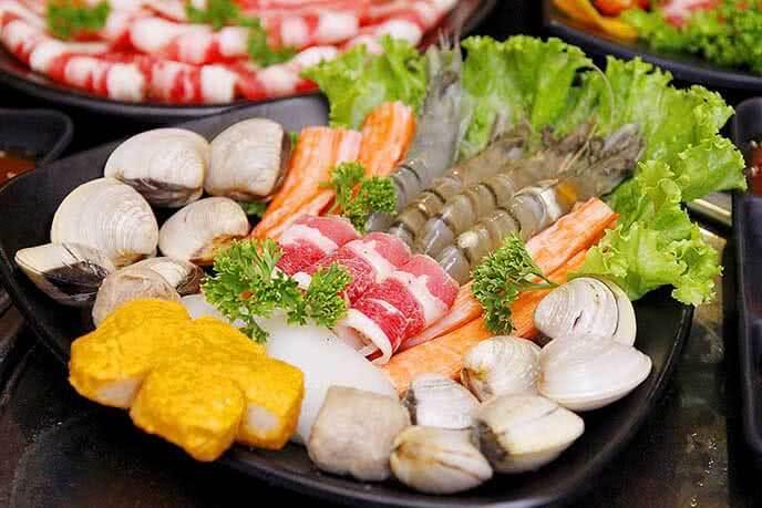 Nguyên liệu cho món lẩu Shiki trứ danh của nhà hàng