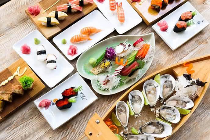 Các món ăn luôn được chăm chút cẩn thận ngay cả việc trang trí - Top 10 quán ăn, nhà hàng Nhật Bản TPHCM: nhà hàng nướng, nhà hàng buffet phong cách Nhật