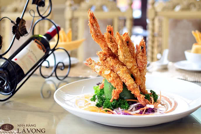 Món ăn sang trọng được trình bày một cách tinh tế - 20 nhà hàng ngon khu vực Cầu Giấy Hà Nội, nhà hàng ngon đẹp, sang trọng