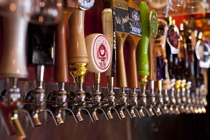 Thưởng thức hương vị đặc sắc của nhiều loại bia của nhiều nước khác nhau