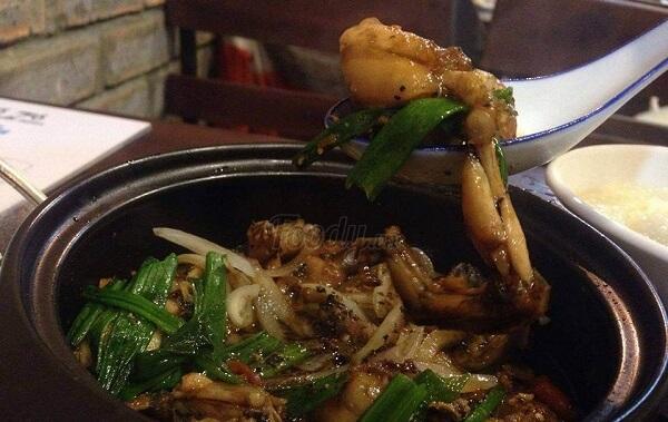 16 món ăn vặt ở Huế và địa chỉ 13 quán ăn vặt nổi tiếng tại Huế từ chè đến cơm hến, các loại bánh 7