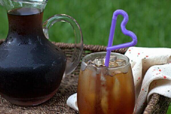 Nhiều người có xu hướng lựa chọn và tự chế biến các đồ uống từ những cây cỏ quen thuộc
