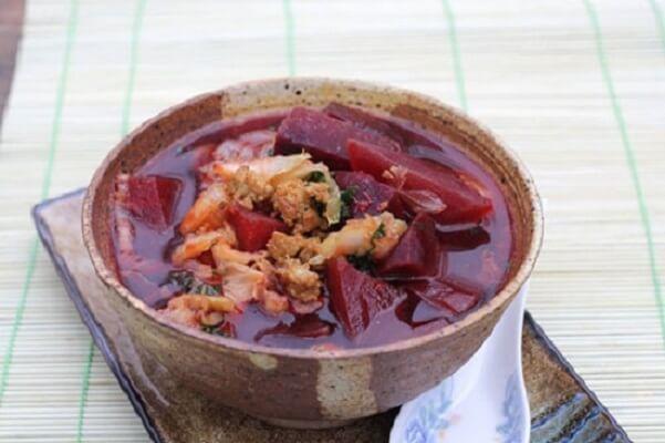 Cách làm canh củ dền thịt băm cho người bị bệnh về huyết áp