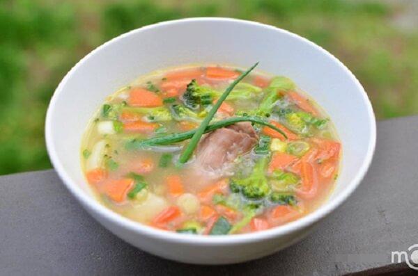 Món súp rau củ ăn nóng sẽ ngon vô cùng