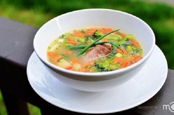 Món súp rau củ thập cẩm rất dễ làm phải không các bạn