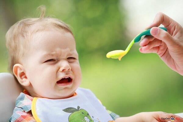 Dấu hiệu biểu hiện trẻ bị hóc xương - Những cách chữa hóc xương cá, xương gà cho bé hiệu quả nhất theo kinh nghiệm dân gian