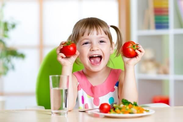 Trẻ em muốn phát triển khoẻ mạnh cần rất nhiều sự bổ sung dinh dưỡng từ đa dạng các loại thực phẩm