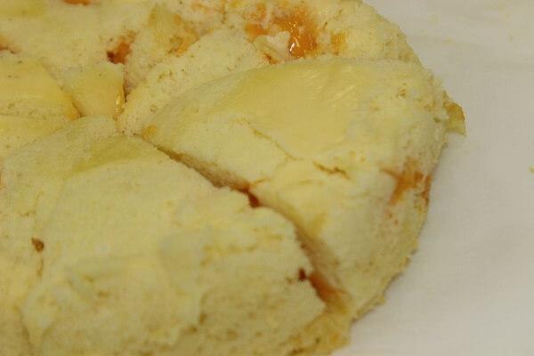 Bánh dính chặt vào khuôn, bể nát khi lấy ra