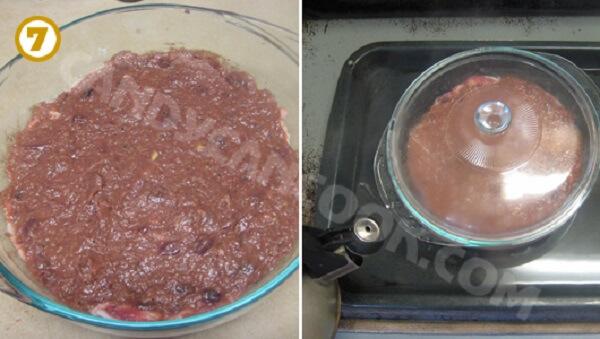 Đặt khuôn pate vào nồi hấp cách thủy trong 1 tiếng