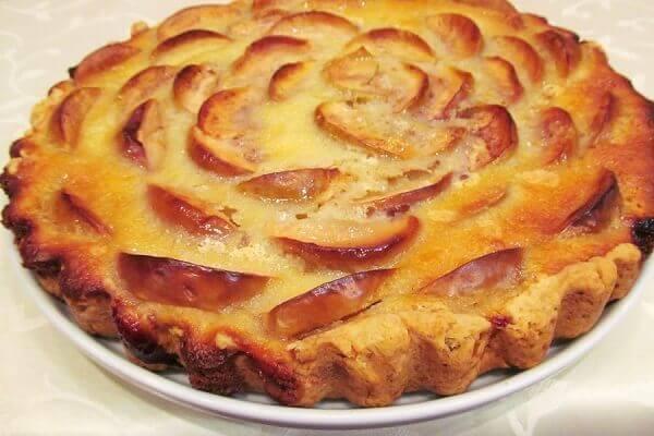Bánh táo được xem là một trong những món tráng miệng truyền thống ở Mỹ