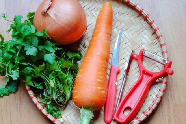 Dụng cụ tỉa cà rốt