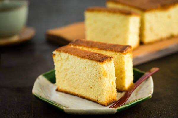 Cách làm bánh gato không cần máy đánh trứng và lò nướng