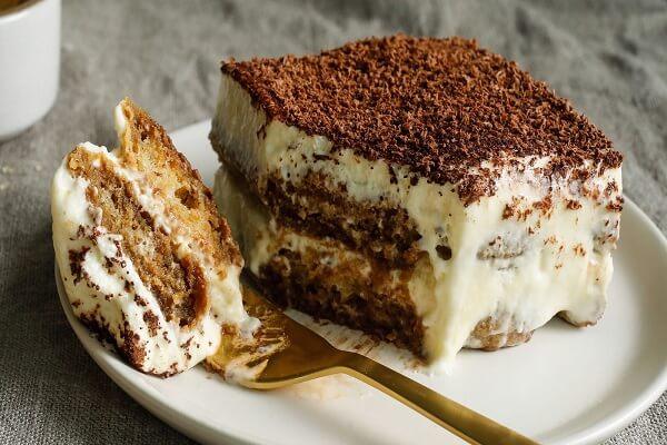 Chiếc bánh Tiramisu thật ngon và đẹp mắt