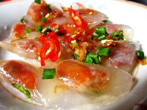 Đến đây bạn có thể thưởng thức những món ăn vặt của xứ Huế