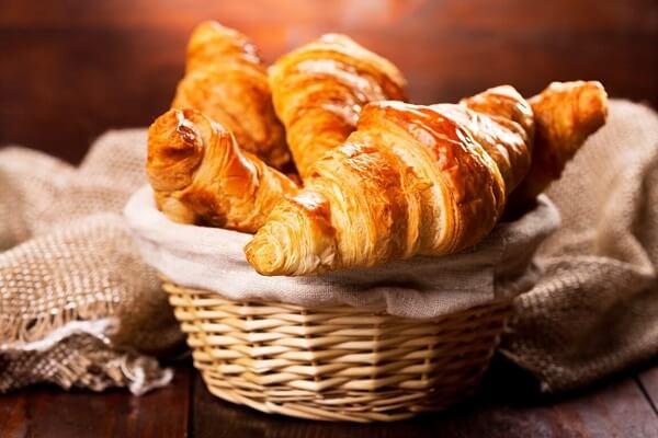 Bánh Croissant (bánh sừng bò)