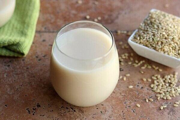Nước gạo rang là một thức uống đơn giản dễ làm
