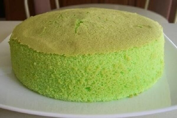 Bánh ngọt vừa, có độ béo của trứng và sữa tươi