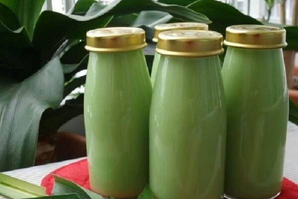 2 cách nấu sữa đậu xanh lá dứa ngon bằng máy xay sinh tố tại nhà để uống hoặc để bán rất đơn giản