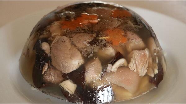 Cách làm thịt ba chỉ nấu đông kiểu truyền thống ngon ngày Tết chỉ 3 bước đơn giản