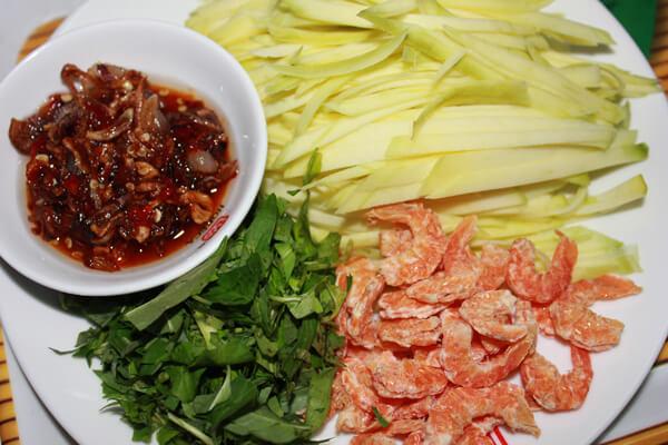 Tôm khô bạn có thể làm gỏi hoặc ăn cùng củ kiệu