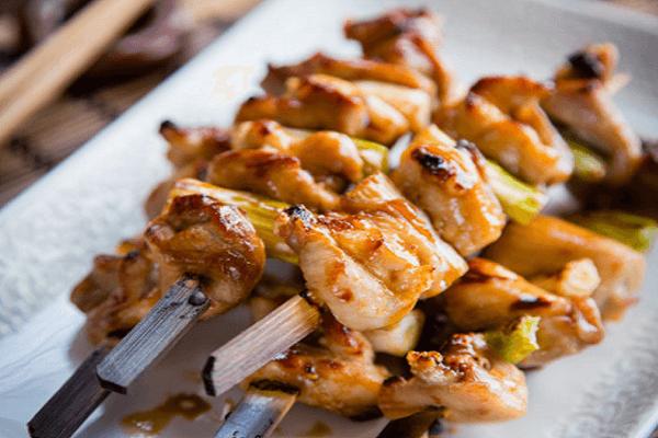 Thành phẩm dĩa Yakitori - Thịt xiên nướng kiểu Nhật vô cùng hấp dẫn