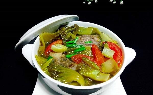 Có rất nhiều món ăn chế biến từ cải chua