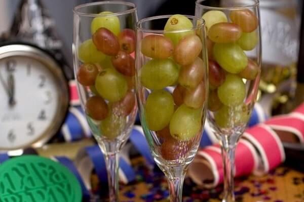 Ăn 12 quả nho đêm giao thừa là nét văn hóa của người Tây Ban Nha