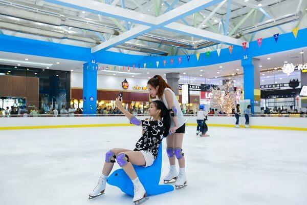 Đến Vinpearlland Ice Rink Royal City