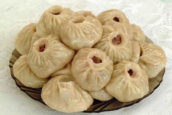 Bánh bao nhân cừu là món ăn phổ biến ở Mông Cổ
